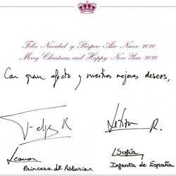 La postal de Navidad 2019 de los Reyes Felipe y Letizia, la Princesa Leonor y la Infanta Sofía