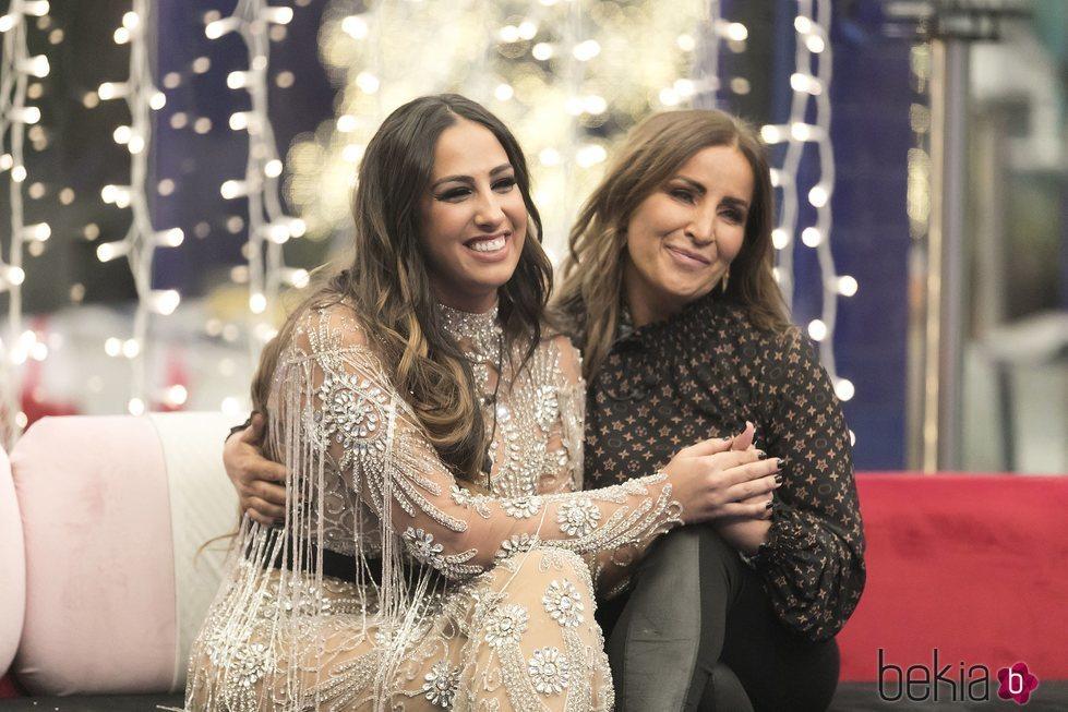 Noemí Salazar y su madre Raquel en la casa de 'GH VIP 7' en la gala 15
