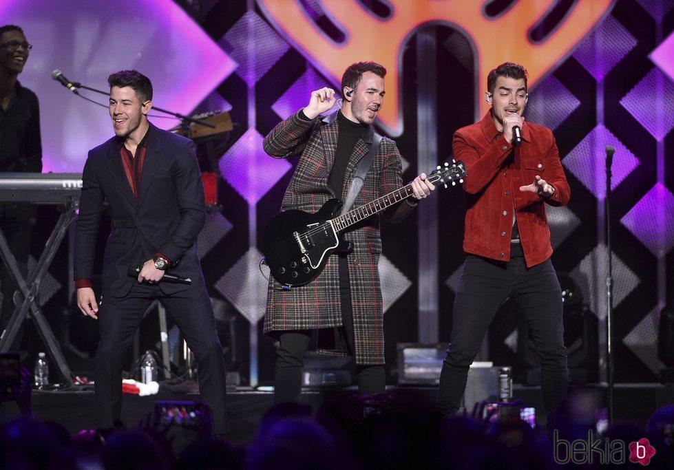 Los Jonas Brothers en el concierto Jingle Bell 2019