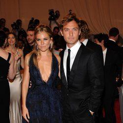 Sienna Miller y Jude Law