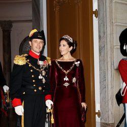 Federico y Mary de Dinamarca en la recepción ofrecida por la llegada de 2012