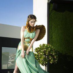 Vanesa Romero con un vestido verde para Lanne Magazine