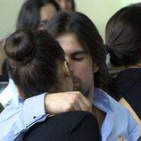 Curi Gallardo besa a Chenoa
