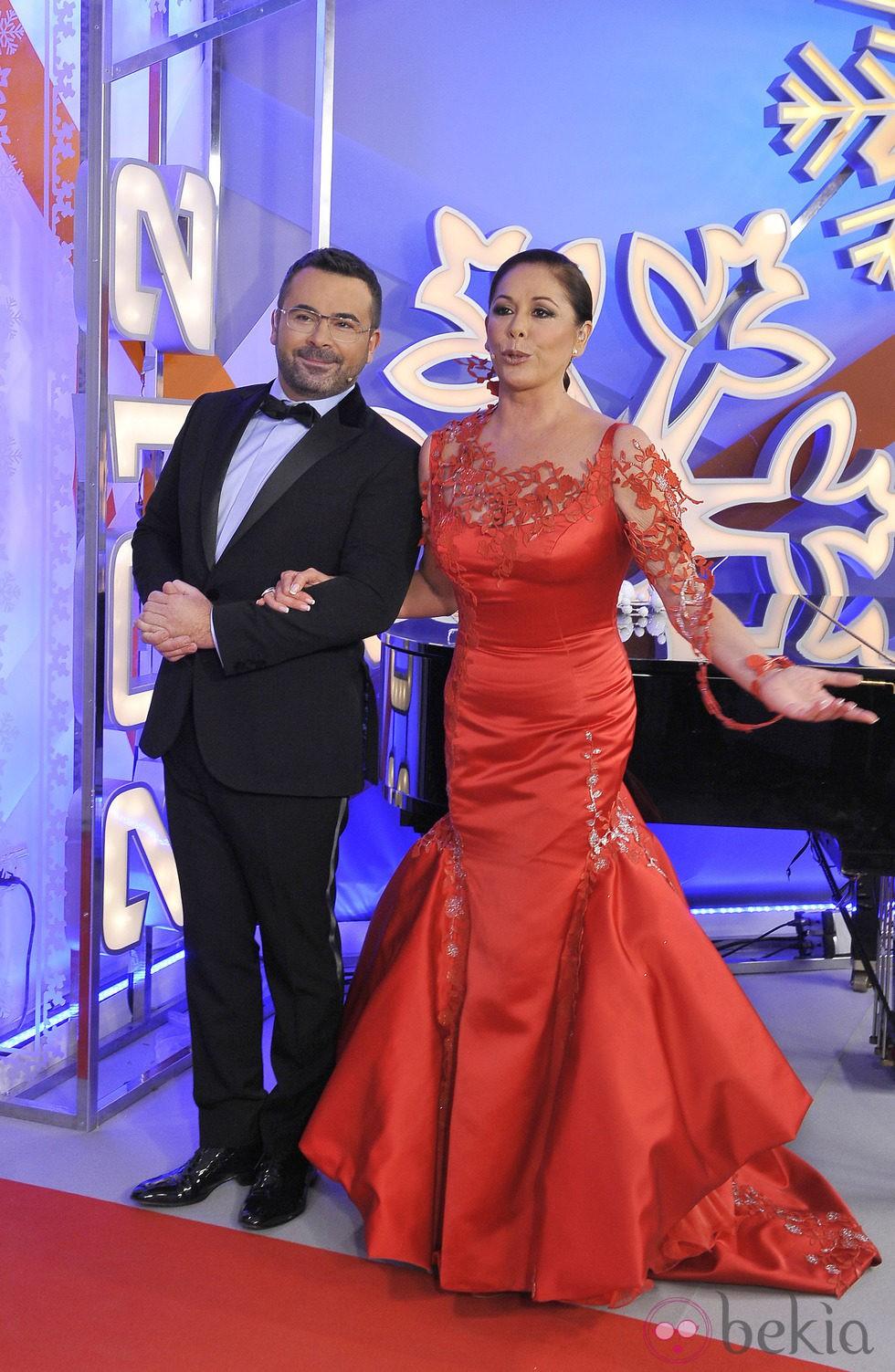 Isabel Pantoja y Jorge Javier Vázquez durante las Campanadas 2011