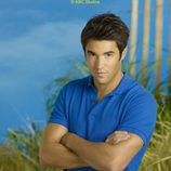 Joshua Bowman en la foto promocional de la serie 'Revenge'