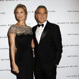 George Clooney y Stacy Keibler en los premios de la Sociedad Nacional de Críticos de Cine