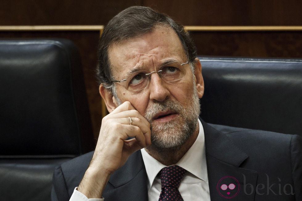 Mariano Rajoy mirando al cielo