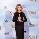 Jessica Lange posa con su Globo de Oro 2012
