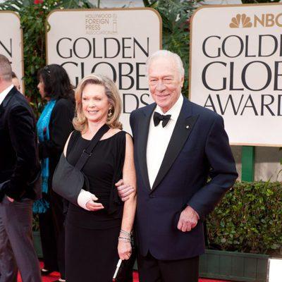 Christopher Plummer y su mujer en la alfombra roja de los Globos de Oro 2012