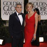 George Clooney y Stacy Kleiber en la alfombra roja de los Globos de Oro 2012