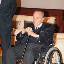 Manuel Fraga en silla de ruedas