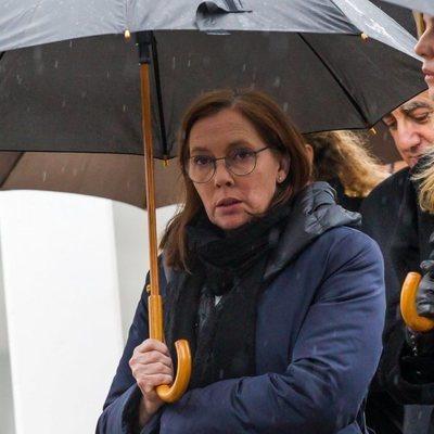 Elvira Fernández Balboa, mujer de Mariano Rajoy, en el funeral de Mercedes Rajoy