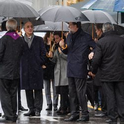 Mariano Rajoy y Francisco Millán Mon en el funeral de Mercedes Rajoy