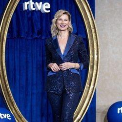 Anne Igartiburu presentando la programación especial de Navidad de RTVE