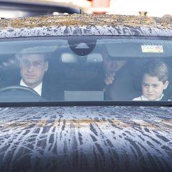 El Príncipe Guillermo y el Príncipe Jorge en el almuerzo prenavideño 2019 en Buckingham Palace