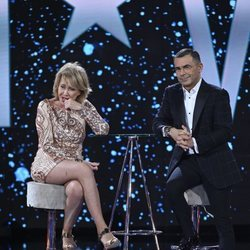 Mila Ximénez con Jorge Javier Vázquez en el plató de 'GH VIP 7' como tercera finalista