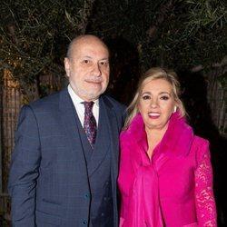 Carmen Borrego y su marido José Carlos llegando a la cena de Nochebuena