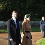 La Princesa Beatriz de York y Edoardo Mapelli en la Misa de Navidad 2019