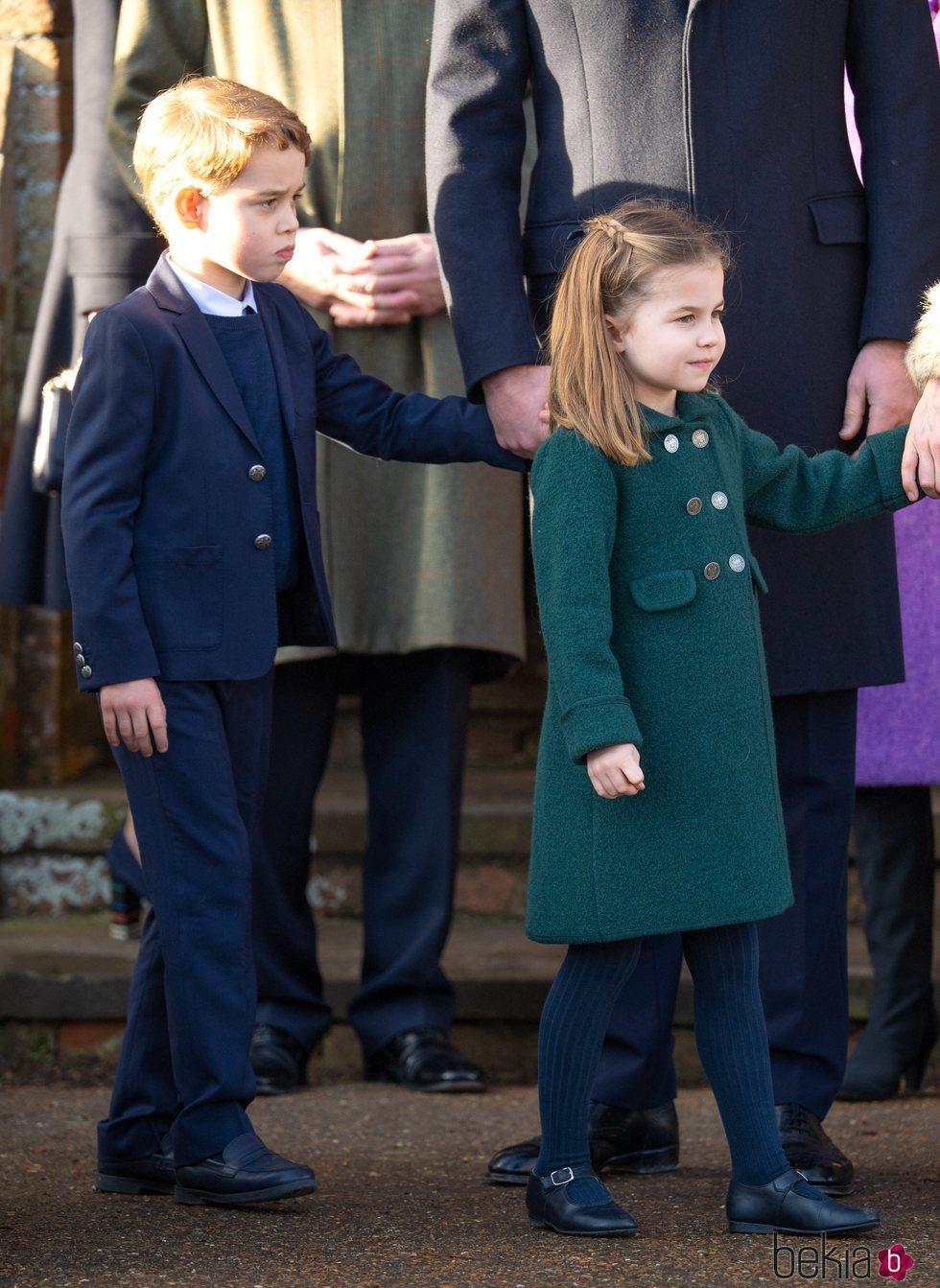 Los Príncipes Jorge y Carlota en la Misa de Navidad 2019