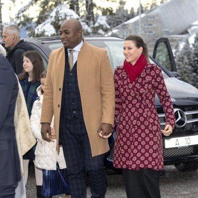 La Princesa Marta Luisa de Noruega y Shaman Durek en la Misa de Navidad 2019