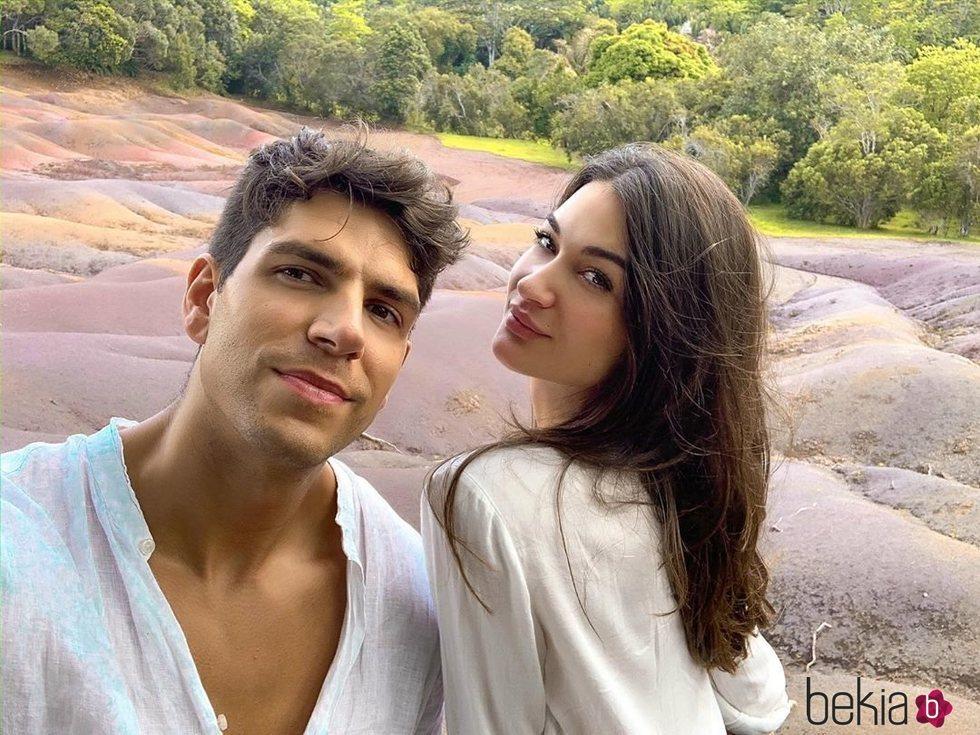 Diego Matamoros y Estela Grande posan en las Islas Mauricio