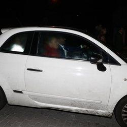 Rocío Carrasco y Fidel Albiac entrando en la casa de Terelu Campos en Nochevieja
