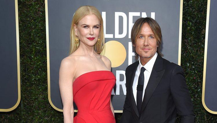 Nicole Kidman y Keith Urban en la alfombra roja de los Globos de Oro 2020