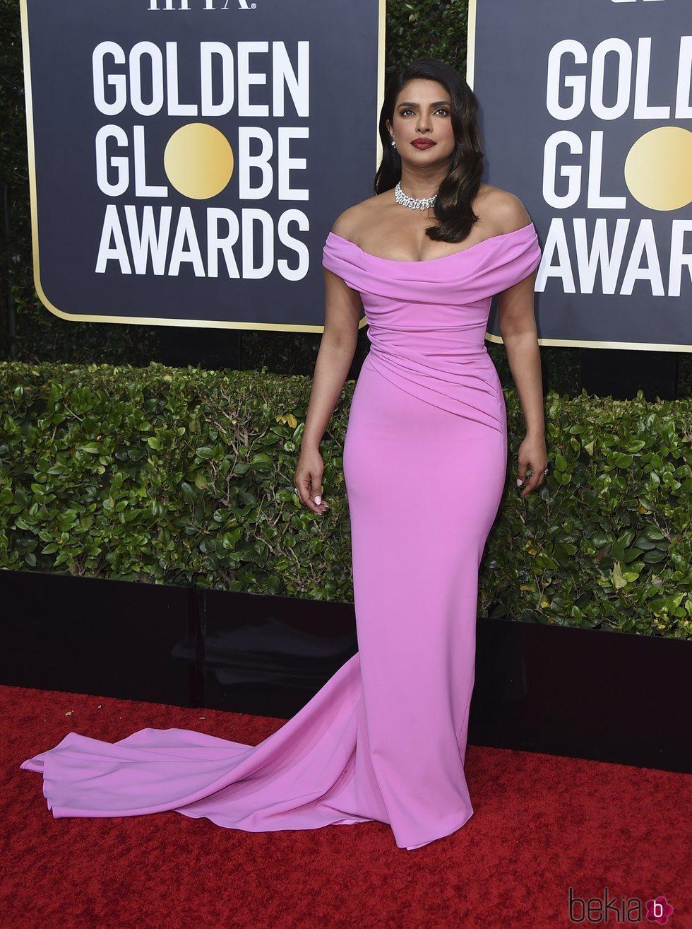 Priyanka Chopra en la alfombra roja de los Globos de Oro 2020