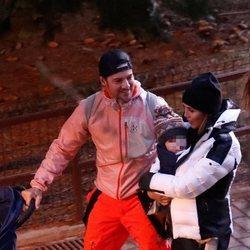 David Bisbal y Rosanna Zanetti con su hijo Matteo en Baqueira