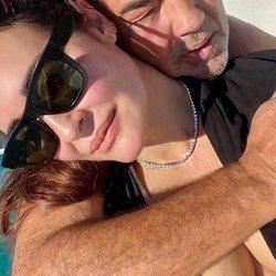 Vicky Martín Berrocal en República Dominicana con su pareja