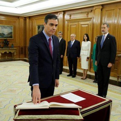 Pedro Sánchez promete su cargo como Presidente del Gobierno por segunda vez ante el Rey Felipe