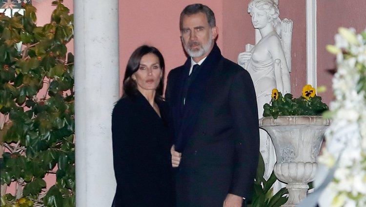 Los Reyes Felipe y Letizia en la capilla ardiente de la Infanta Pilar