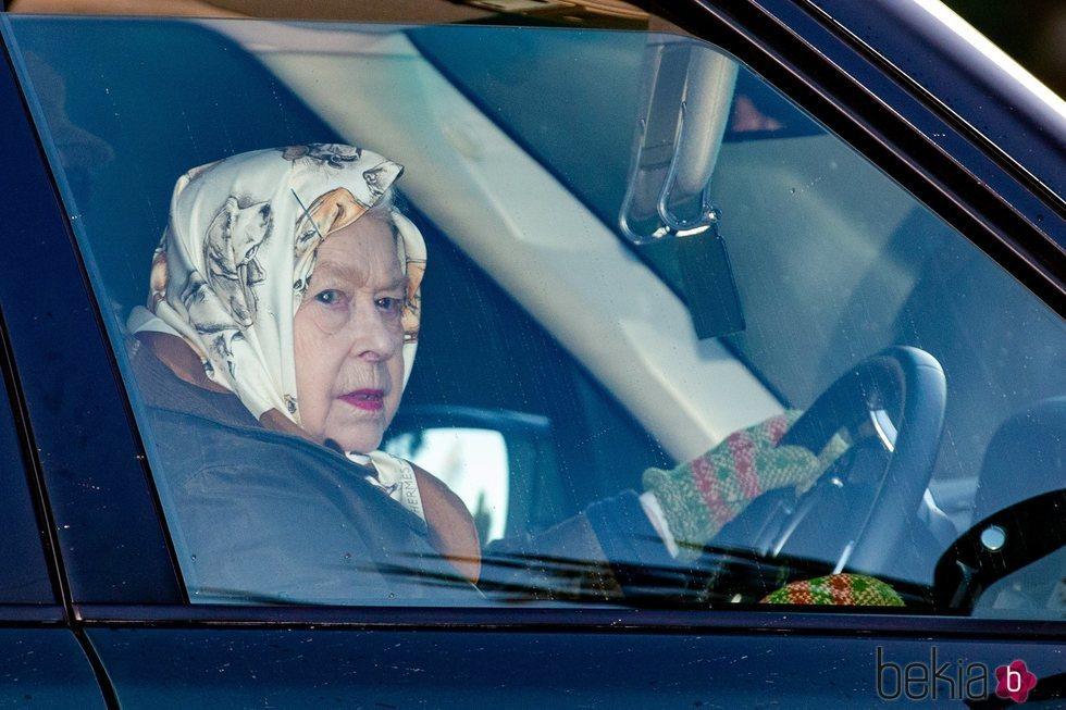 Primera imagen de la Reina Isabel tras la renuncia de los Duques de Sussex