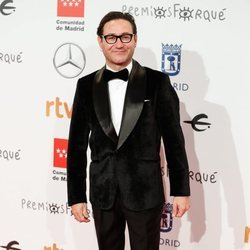 Carlos Santos en la alfombra roja de los Premios Forqué 2020