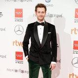 Peter Vives en la alfombra roja de los Premios Forqué 2020