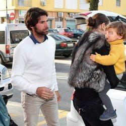 Cayetano Rivera celebra su 43 cumpleaños con Eva González y su hijo