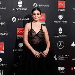 Marta Torné en la alfombra de los Premios Feroz 2020