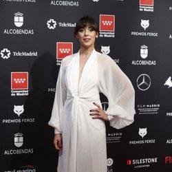 Blanca Cuesta en la alfombra roja de los Premios Feroz 2020