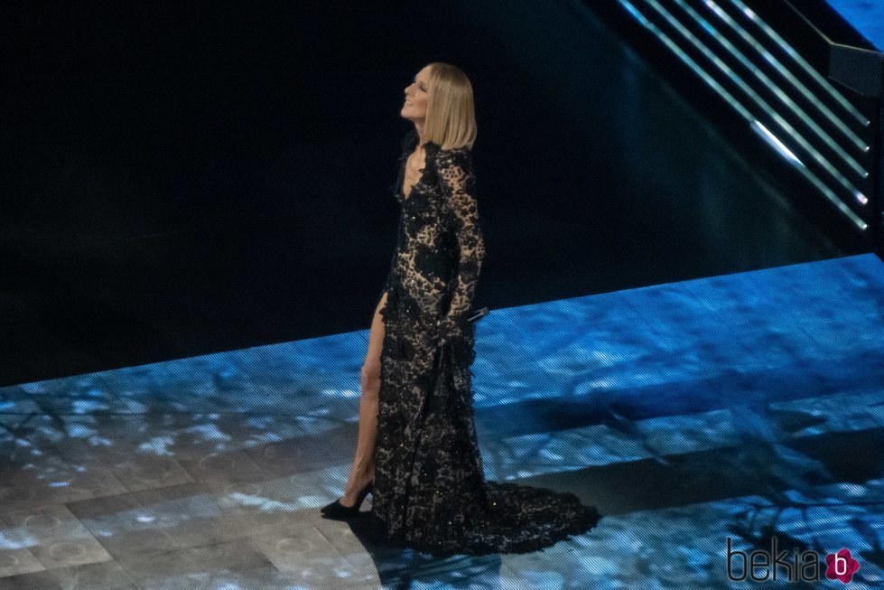 Céline Dion rinde homenaje a su madre en un concierto