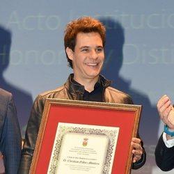 Christian Gálvez recoge su reconocimiento como Hijo Adoptivo de la Línea de la Concepción