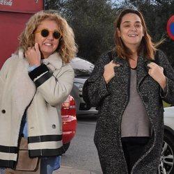 Toñi Moreno ingresa para dar a luz acompañada e una amiga