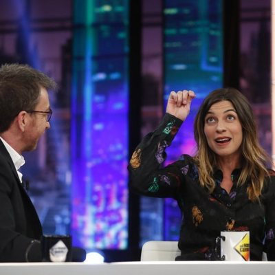 Natalia Tena con Pablo Motos en 'El hormiguero' presentando la película 'Te quiero, imbécil'