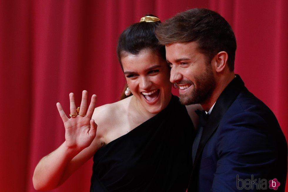 Amaia Romero y Pablo Alborán en la alfombra roja de los Goya 2020