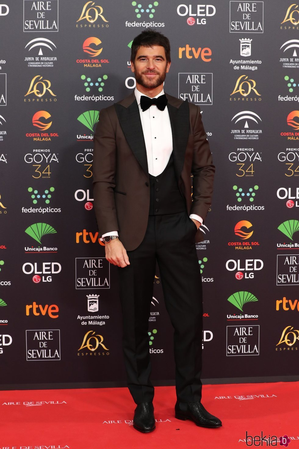 Alfonso Bassave en la alfombra roja de los Goya 2020