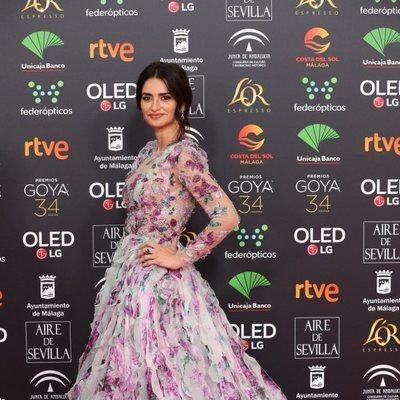 Penélope Cruz posando en la alfombra roja de los Goya 2020
