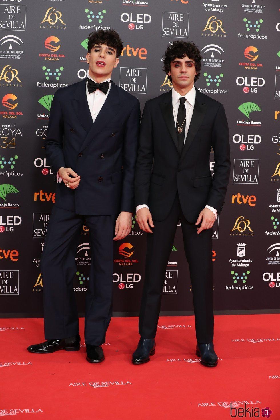 Javier Calvo y Javier Ambrossi en la alfombra roja de los Goya 2020