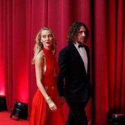 Carles Puyol y Vanesa Lorenzo en la alfombra roja de los Goya 2020