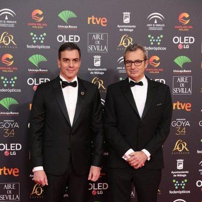 Pedro Sánchez y Mariano Barroso en la alfombra roja de los Goya 2020