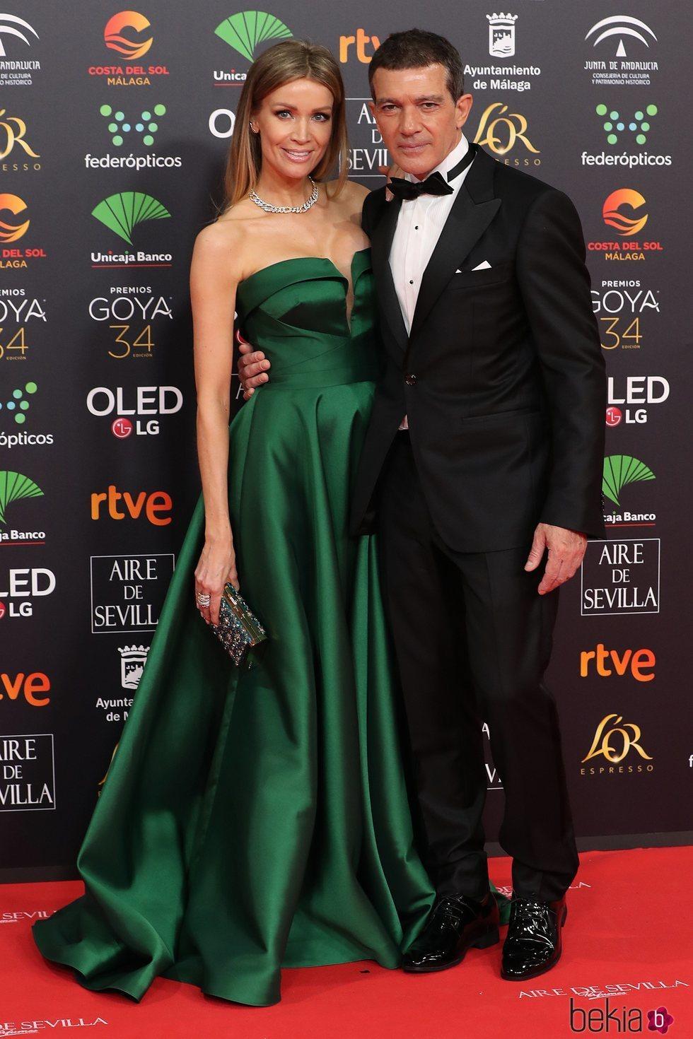 Antonio Banderas y Nicole Kimpel en la alfombra roja de los Goya 2020