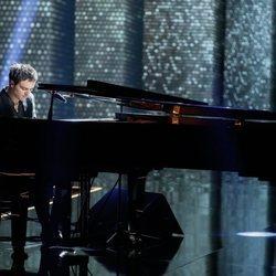 Jamie Cullum al piano durante la gala de los Goya 2020